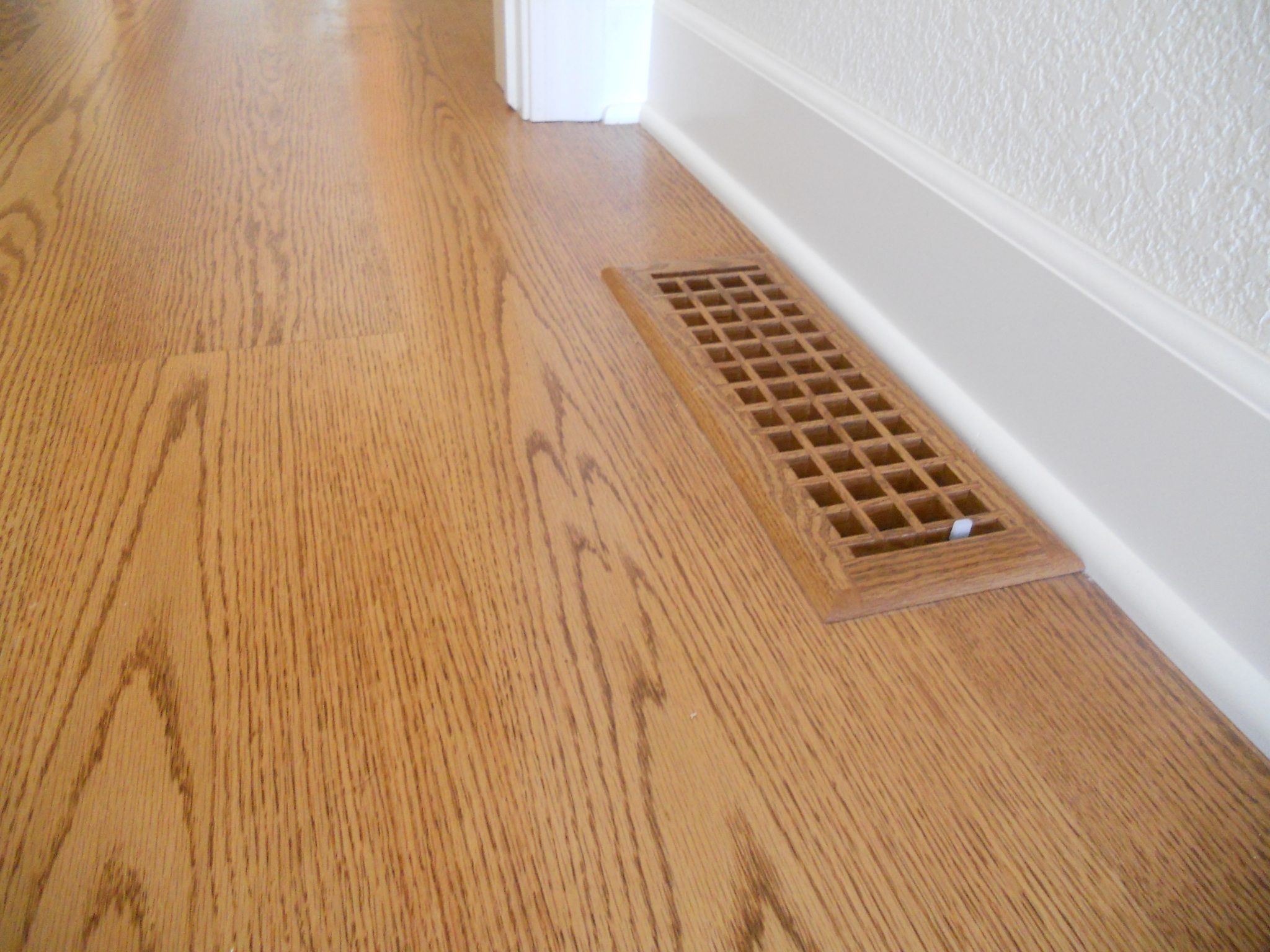Red oak Flooring & Solid Wood Flooring from Carlisle Wide Plank Floors