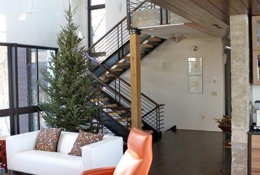 Eastern White Pine Goes Modern in Wisconsin Live/Work Studio