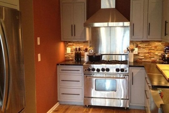 Wide Planks in Small Spaces ~ See it in the Apartment Therapy Small Cool Kitchens 2012 Contest