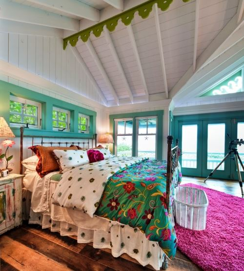 Colorful bedrooms with Antique Wood Floors from Carlisle Wide Plank Floors