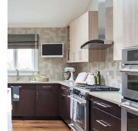 Granite kitchen backsplash in a modern pattern
