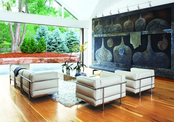 medium color floor in contemporary livingroom