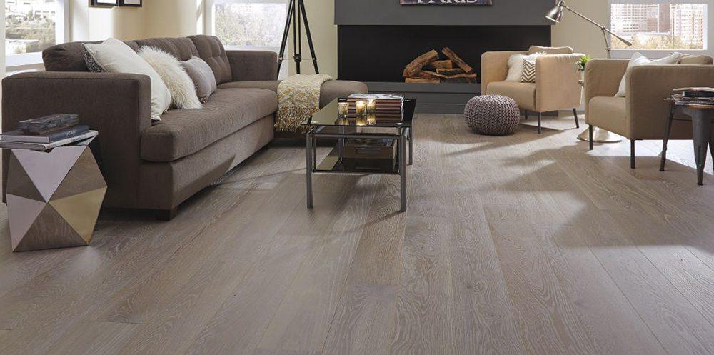 Oak flooring and engineered wood flooring from Carlisle wide plank floors.