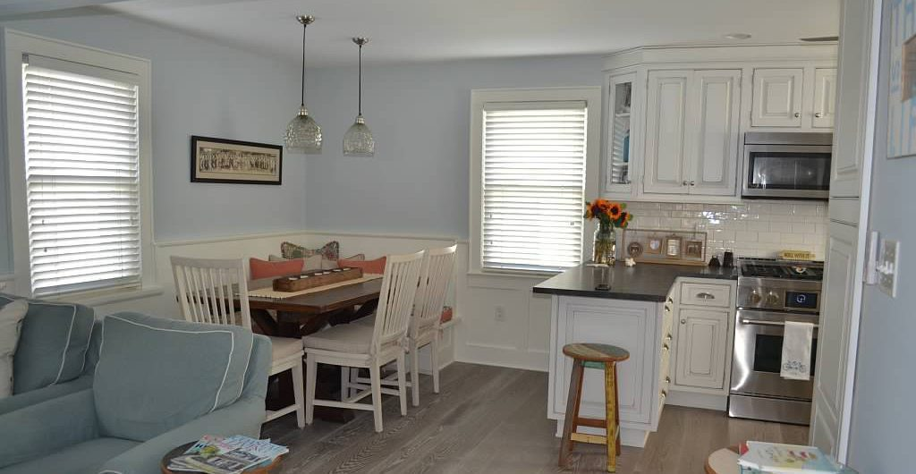 White Oak Floors for New Jersey Breakfast Nook