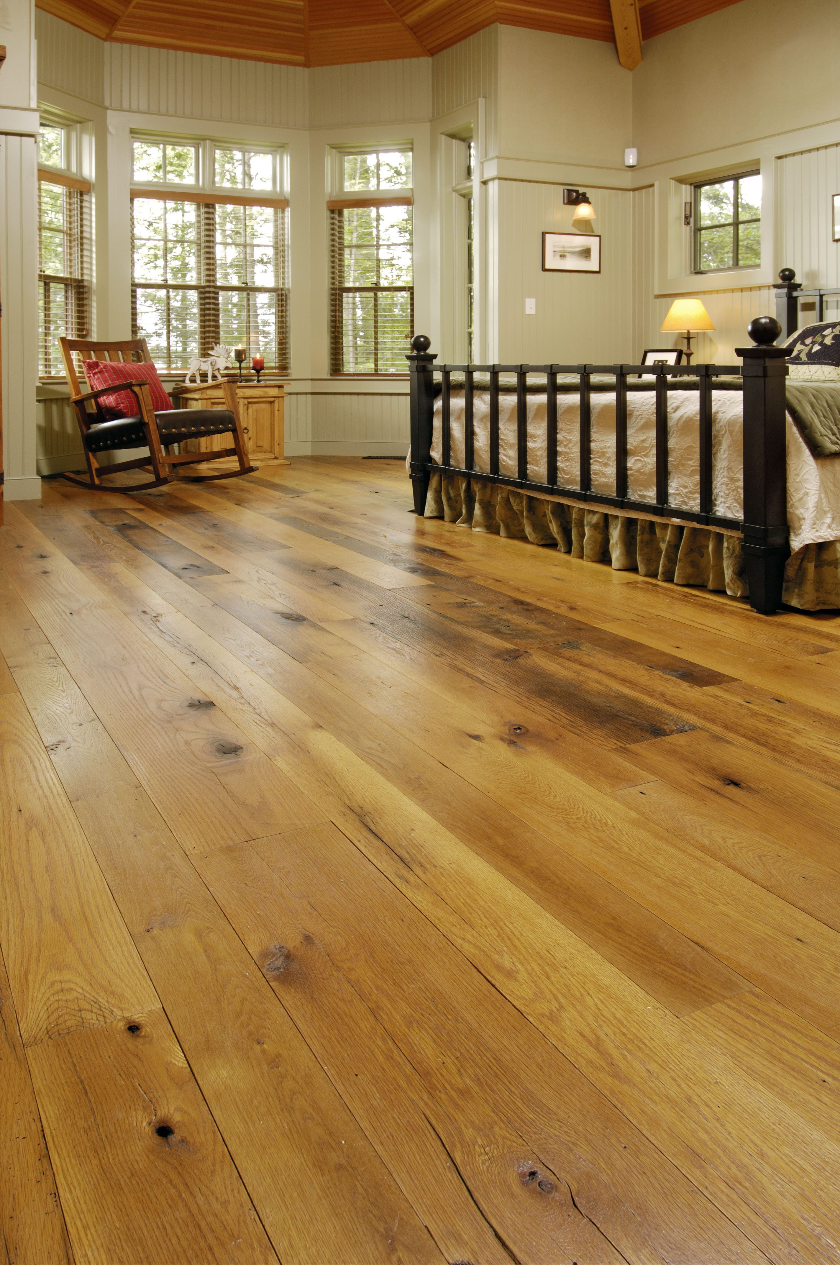 Carlisle Reclaimed Oak Wood Flooring.