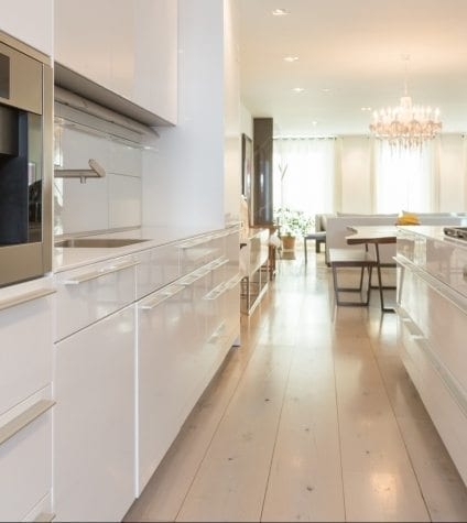 White Oak Flooring in Kitchen and Dining Area