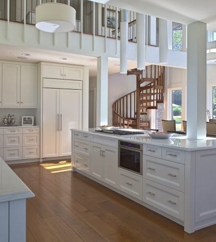 Rift and Quartersawn White Oak in an Open Concept Kitchen